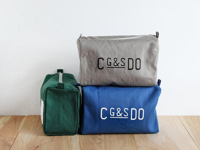 Lサイズのポーチは、マチが広いので、ストールやタオルなども収納でき、幅広い用途でお使いいただけます。バッグの中身を整理するバッグインバッグとしてはもちろん、旅行のときの小物入れとしても活躍します。