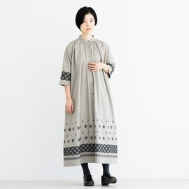 TUTIE. コットンクロスステッチ刺繍タックギャザーワンピース
