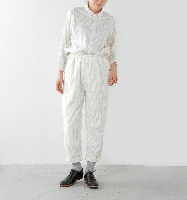 ゆったりとしたサイズでとても楽な履き心地。同素材のシャツとセットアップでの着こなしもオススメです♪