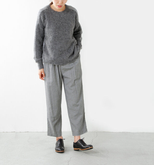 model yama height:167cm / weight:49kg color : gray pin stripe / size : XS