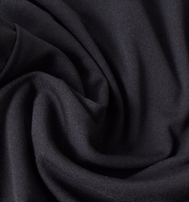 やわらかく、心地よい肌触りのコットン素材。爽やかな着心地をキープします。カラーは、4色ご用意しております。