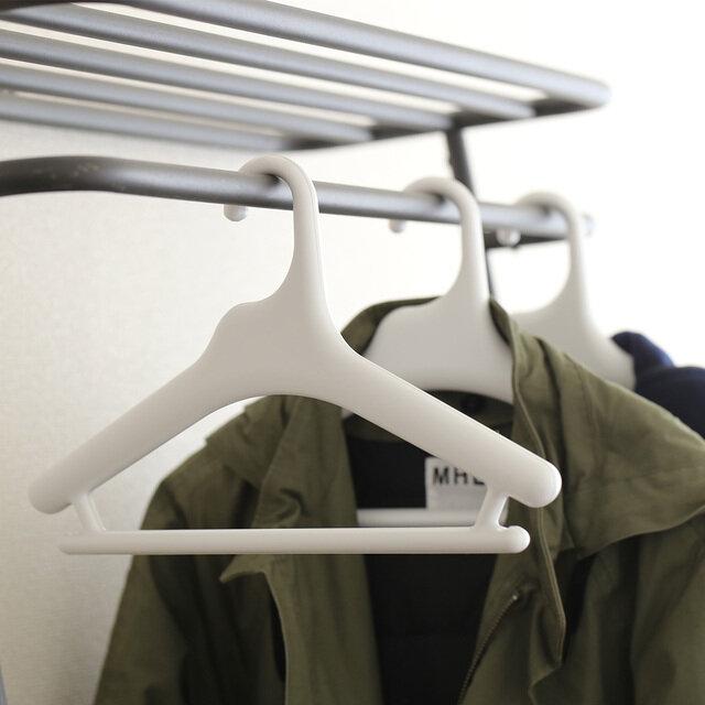 Made in Japanが作り出す 衣類への優しさが感じられるハンガー。