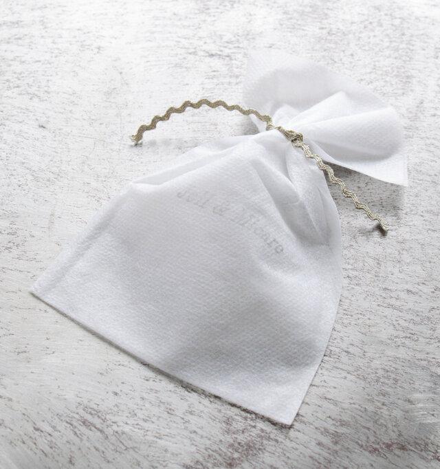 ブランドロゴの版が押された袋に入ってお届けしますので、プレゼントにも最適です♪