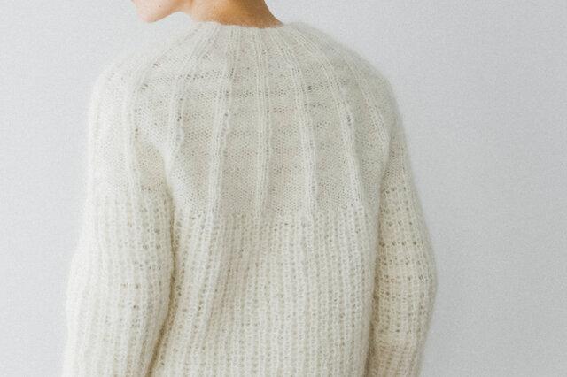 ネックから編みはじめるので、お好みの裾の長さに調整できるのもうれしいポイント。