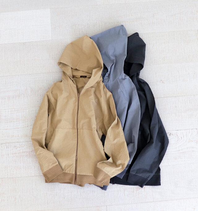 カラーは、グレー、ベージュ、インクブラック。 サイズは0~3サイズまでご用意し、ユニセックスなデザインですので男性の方にもおすすめ。 シンプルなデザインですが、袖口・裾口に横編みで編み立てた段リブを使用しています。