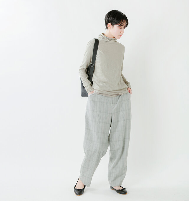 model saku:163cm / 43kg color : grayge / size : 1