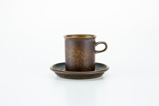 すこし縦長のすっきりしたフォルムが上品なルスカのコーヒーカップ(大)