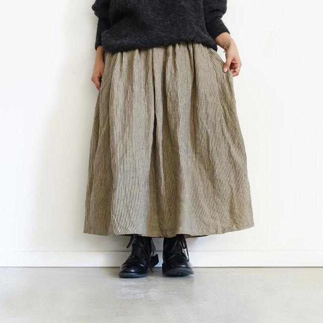 Model 158cm、Beige × Charcoal 着用