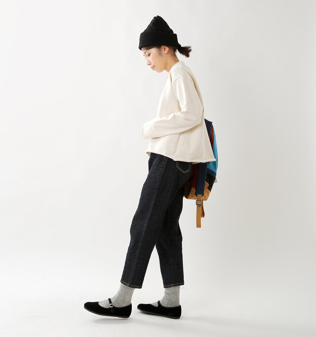 model hikari:165cm / 48kg color : black / size : 38(約24.0cm)
