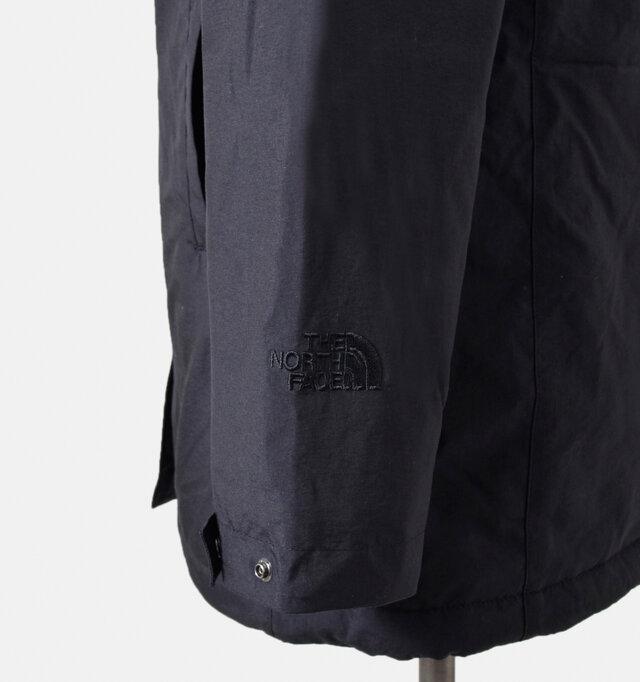 袖口はスナップボタンで手首周りのサイズ調節ができ、気温やシーンにあわせることが出来ます。