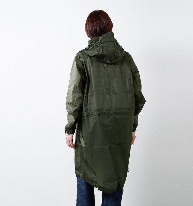 裾には冷気や風の侵入を軽減し、バタつきを抑えるアジャスタードローコード付き。 絞ることでくしゅっとしたシルエットも楽しめます。