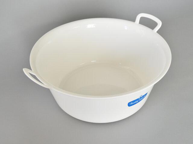 洋服以外にも、お庭やベランダでアウトドアグッズを洗ったり、靴を洗うのにも便利です。