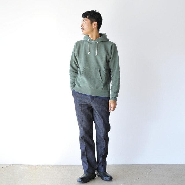 モデル:173cm / 58kg color : khaki / size : 26.0cm
