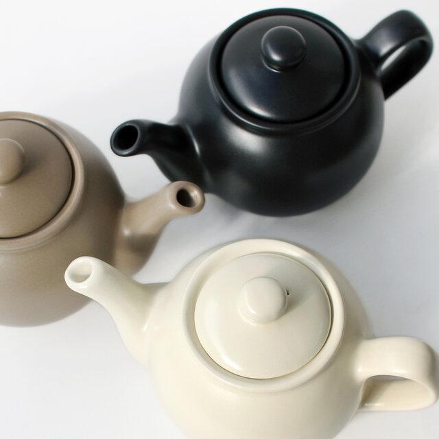 お色はマットな質感がモダンな印象のクリーム、トープ(ベージュ)、ブラックの3色で、いずれも2カップと6カップの2サイズをご用意。