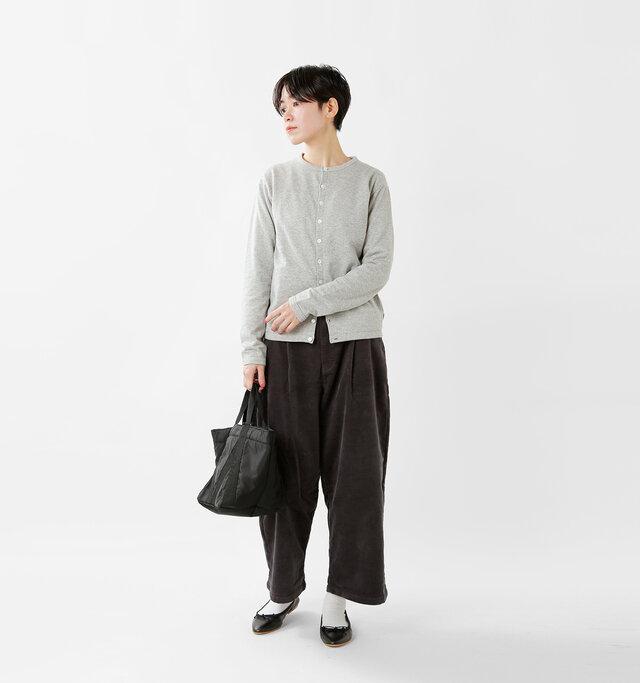 model saku:163cm / 43kg color : heather gray / size : 1