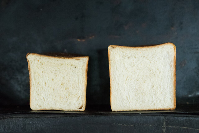 角食 わざわざのパン 左:1.5斤 右:1斤サイズ