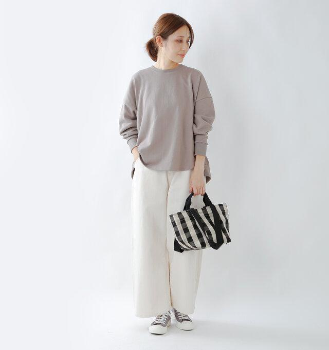 model yama:167cm / 49kg color : beige×black / size : one