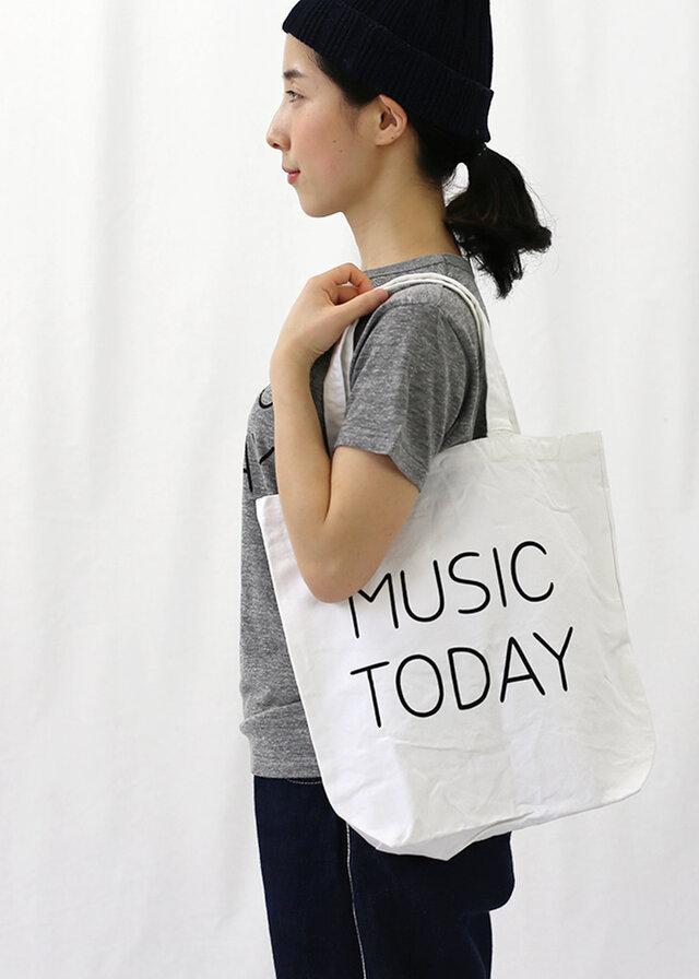 音楽家・蓮沼執太さん主催のイベント「MUSIC TODAY」のグッズとして、2015年8月に制作されたトートバッグ。