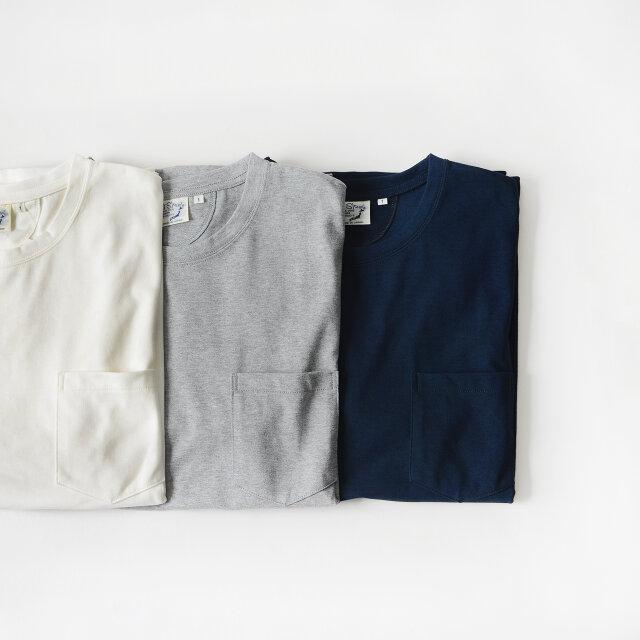 カラーは左よりwhite(ホワイト)、heather gray(ヘザーグレー)、navy(ネイビー)の3色展開。 「オアスロウ」の得意とするデニムアイテムとも相性抜群です◎。