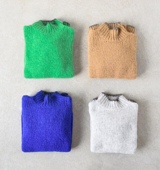 発色の良いカラーリングも魅力のひとつ。シックにまとまりがちな秋冬コーデをパッと明るく、モダンに仕上げてくれます。デニムやチノパンツ、スカートとも相性の良いカラーを厳選しています。