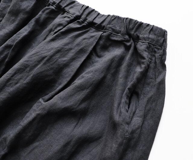 サイドにはポケットがついているので利便性もばっちり。