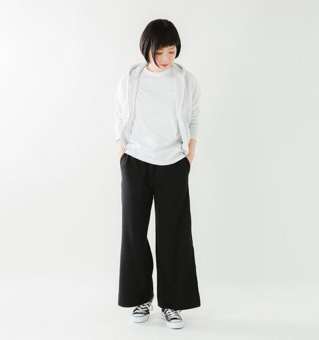 model mayu:158cm / 48kg color : white / size : 0
