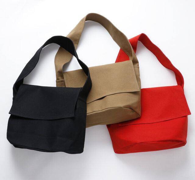 color:ブラック、ブラウン、レッド