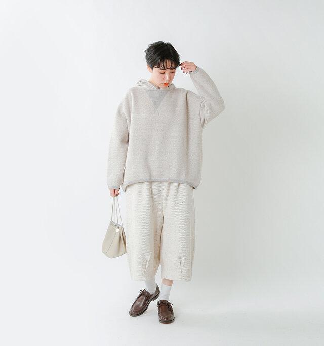 model saku:163cm / 43kg color : gray 杢 / size : F