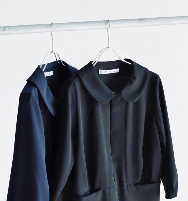 Si-Si-Siで人気の定番ジャケットを、フォーマルにぴったりのとろみ素材×リデザインしてaranciatoのために特別に作ってもらいました。
