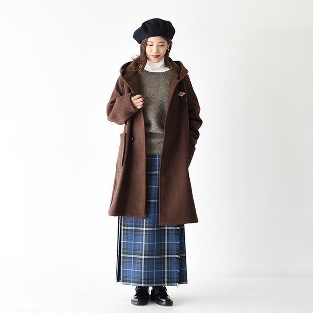 ウィンターシーズンにかかせないウールセーターに、上品な細畝のタートルネックを合わせることで 女性らしい印象に◎ ほどよく抜け感のあるワイドネックのセーターがタートルネックをよりキレイに魅せてくれます。 チェック柄のキルトロングスカートがクラシカルな雰囲気を漂わせています♪
