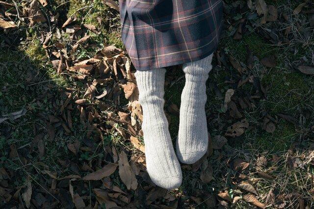 霜降りグレーのSサイズ(22~24cm)に在庫があります。足元から温めることって大事。