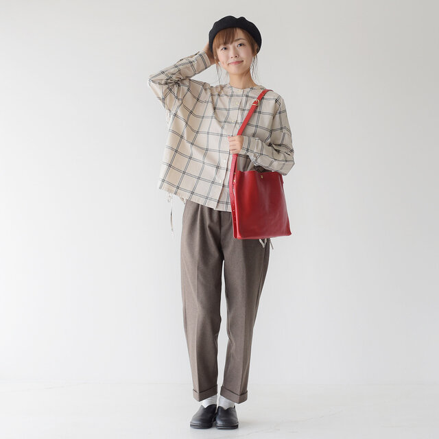 モデル: 162cm / 43kg color:brown / size:36(S~M)