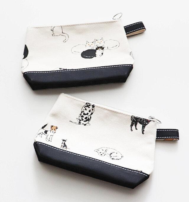 (18.5×H13.5×D6.5)  こちらはTOILETRY BAG。コンセプトは洗面用具や化粧品を入れるためのバッグです。