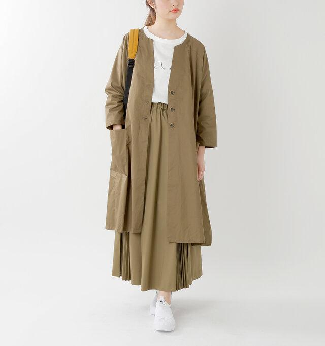 model kanae:167cm / 48kg color : beige / size : F