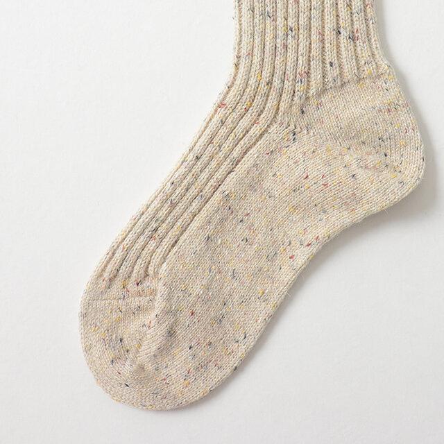 足幅や足底をゆったりとしたリブ編みにしています。