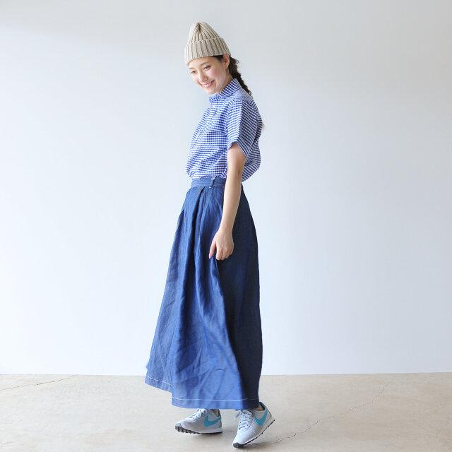 color : blue gingham / size : 34(S)  さりげなく盛り込まれたディテールが洗練された着こなしを叶えてくれます。
