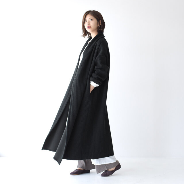 モデル:157cm / 47kg color : black / size : 38(フリーサイズ)