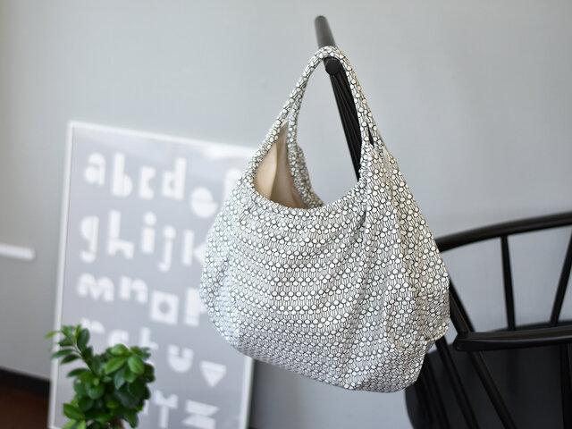 型紙を使って、コロンと丸いショルダーバッグを作ってみませんか?