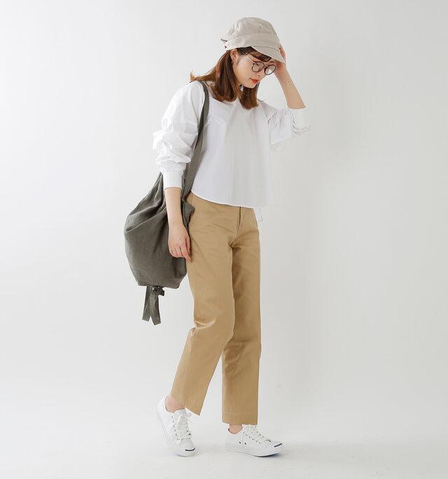 model kanae:167cm / 48kg color : white / size : 5(24.0cm)
