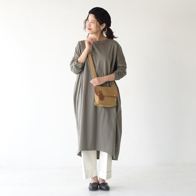 モデル: 157cm / 47kg color:gray / size:フリーサイズ
