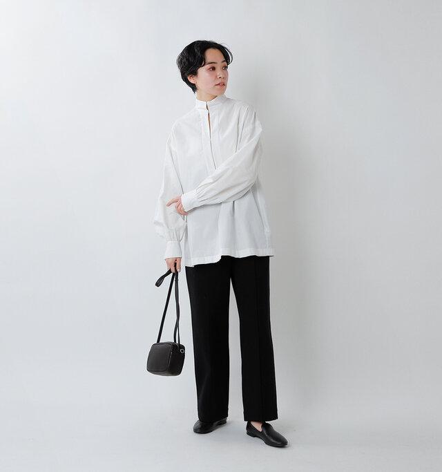 model saku:163cm / 43kg  color : off white / size : F