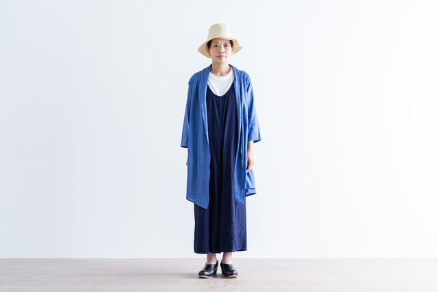 ブルー着用(モデル身長:157cm)