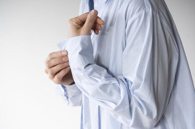 袖元はめくって着ても◎。