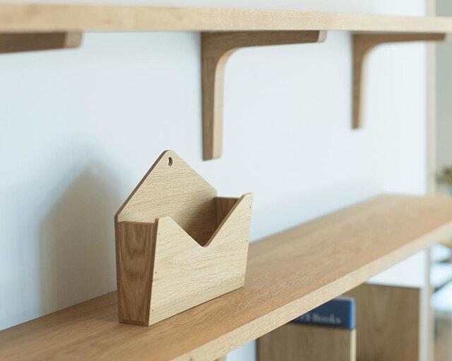 置いても、壁に掛けても使いやすい形。