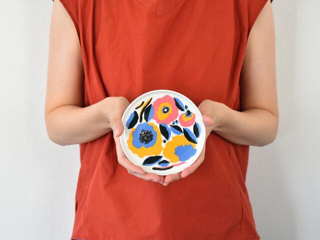 小さめのお皿にmarimekkoの世界が広がっている、このバランスにきゅんとします◎