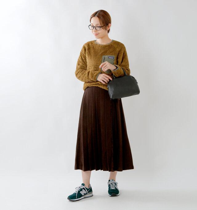 model yama:167cm / 49kg color : green / size : 24.0cm