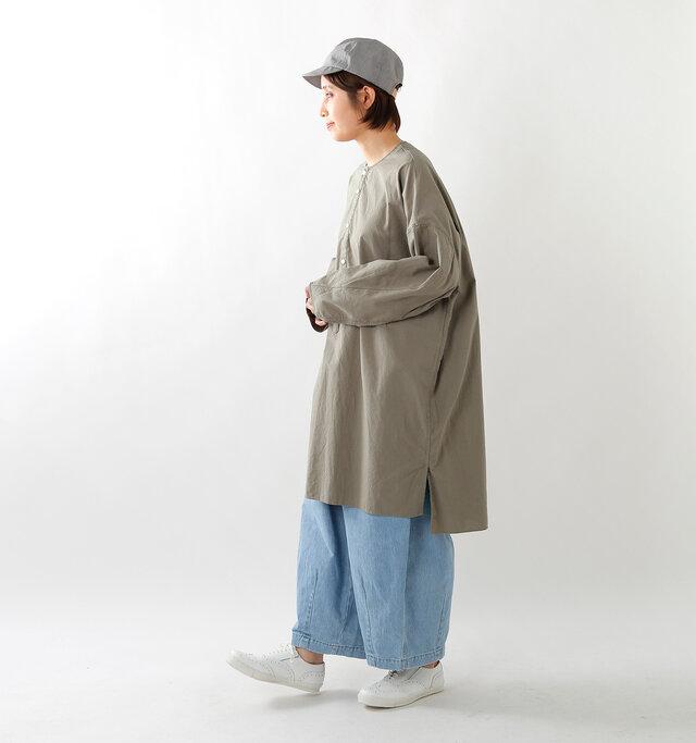 model yama:167cm / 49kg color : gray dyed / size : XS