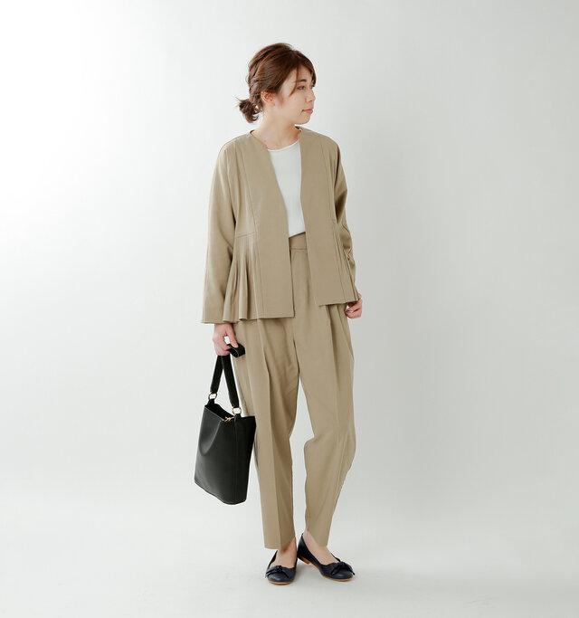 model hikari:165cm / 48kg  color : beige / size : F