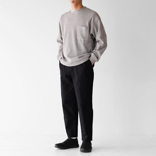 モデル:173cm / 58kg color : マッドブラック×TNFブラック / size : 9(27.0cm)