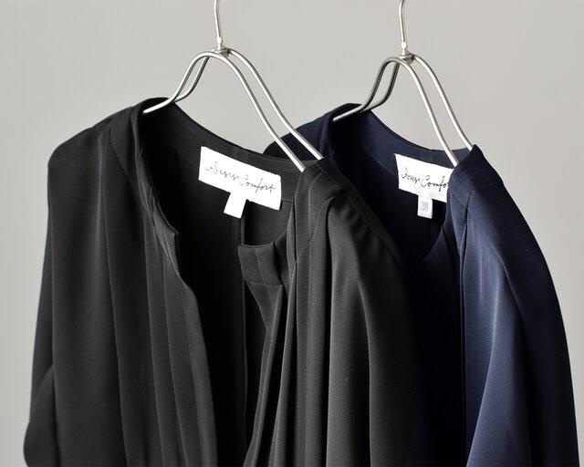 カラーは全2色。黒に近い落ち着いた「ネイビー」と、あらゆるフォーマルシーンに対応してくれるシックな「ブラック」をご用意しています。